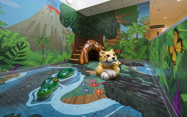 Denver Zoo-inspired kids' area in the Multidisciplinary Clinic