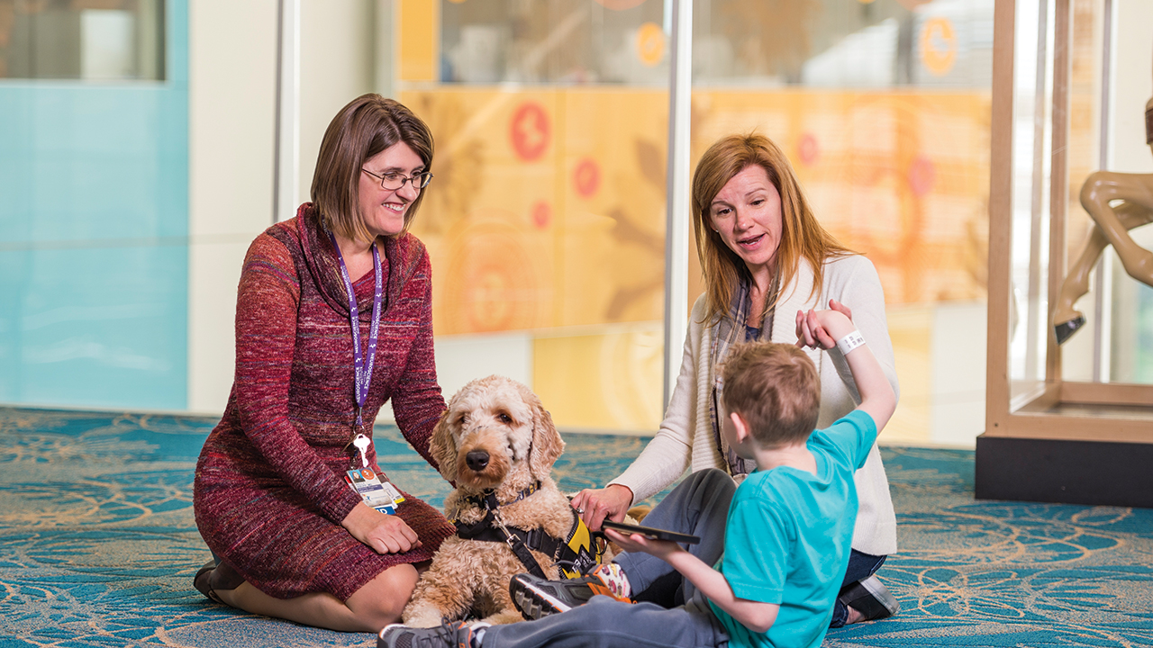 Dr. Kelly Knupp speaks with patient with dravet syndrome.